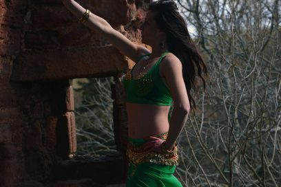 WHY YOU SHOULD START BELLY DANCING